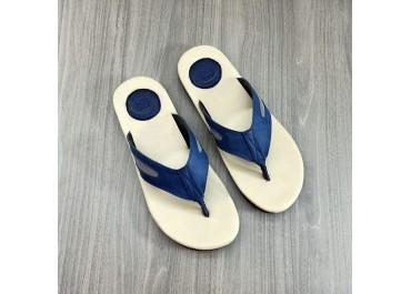 Pusat Sol Sepatu Karet Merek Sendiri